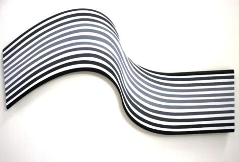 Cristina Ghetti / Mareas / 2012 / Pintura acrílica sobre madera. 100 cm de largo.